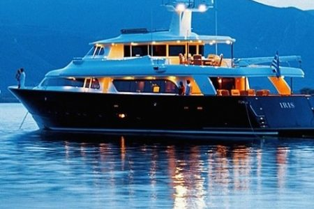 iris-yacht-2897-460x380
